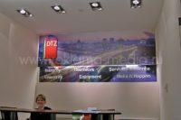 Двухуровневая вывеска для офиса. Вывеска с объемными буквами и световым знаком для ресепшн Московского представительства компании DTZ
