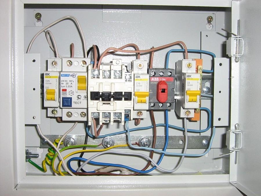 Подключение электричества к щитку