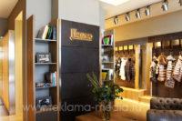 Внутренняя вывеска Металлические буквы для бутика одежды